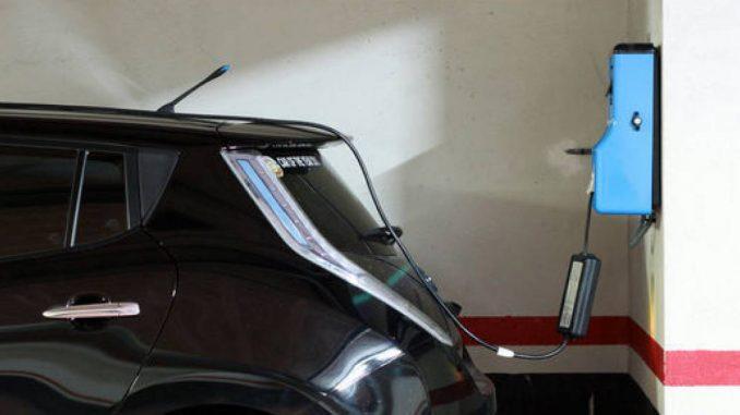 b2000km-Nissan-Leaf-Tecmovia-010-dm-700px-dm-700px_1440x655c-678x381
